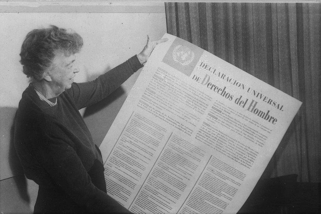 Eleanor Roosevelt And United Nations Universal Declaration Of Human Rights In Spanish 09 2456m Original 1 1