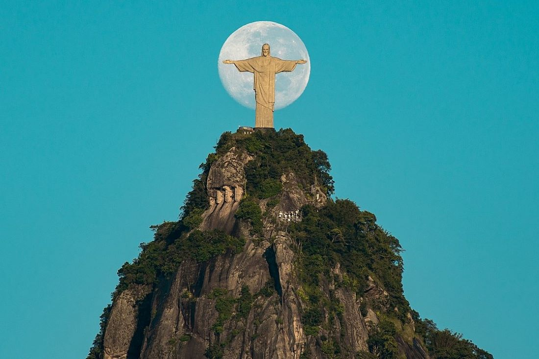 The Moon And Christ The Redeemer