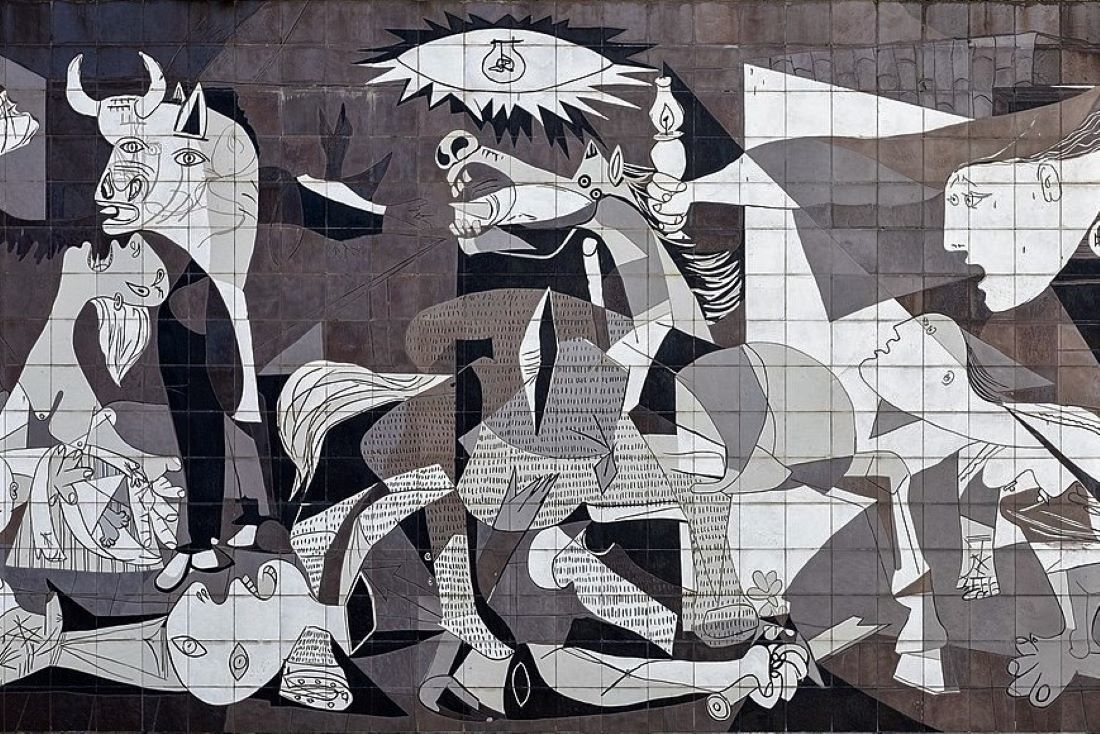 1100px Guernica Reproduction On Tiled Wall Guernica Spain Ppl3 Altered Julesvernex2